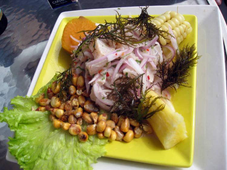 Ceviche_de_pescado_(La_Punta,_Callao)