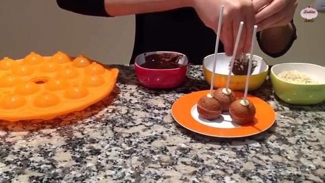 Videoreceta de Cake pops de Nutella (Bizcobolas) 1