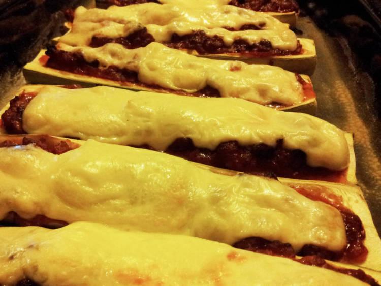 Zucchinis rellenos de carne y gratinados al horno 2