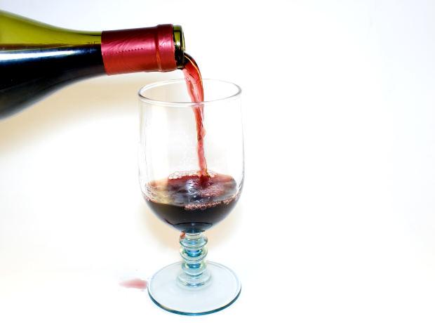 Los 5 beneficios para la salud de beber vino tinto