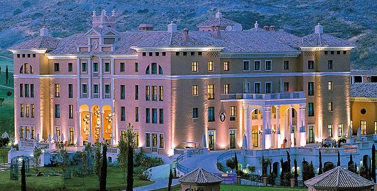 Caso Isabel Carrasco: Por dinero parece que no era, madre e hija pagaron un lujoso hotel en Marbella para coincidir con la primera dama Michelle Obama 1