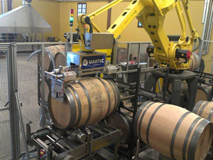 La Rioja Alta, S.A. desarrolla con éxito un robot que garantiza la total desinfección en el lavado de sus barricas 1