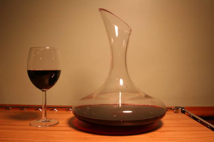 Decantar el vino, qué es, por qué y cómo 1
