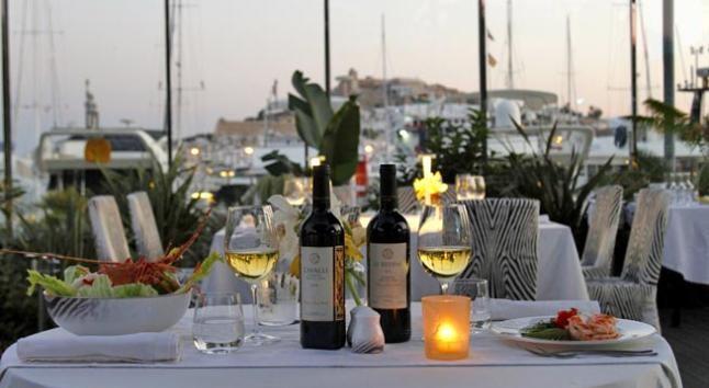 Roberto Cavalli en Ibiza fusiona gastronomía y moda 1