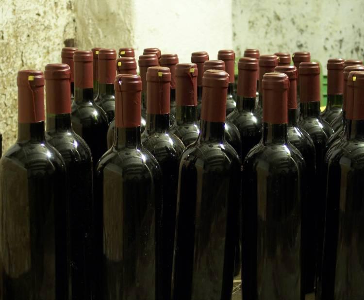 Los hogares españoles cada vez consumen menos vino 1