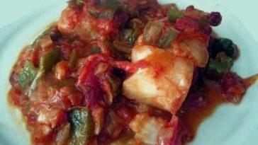 Bacalao con pimientos y salsa de tomate 3