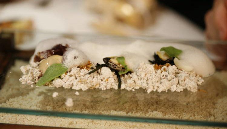 Dos ejemplos de como la gastronomía se disfruta por los cinco sentidos 1