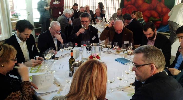 Doce bodegas de la D.O. Rías Baixas protagonizan hoy un tunel del vino en Gante 2