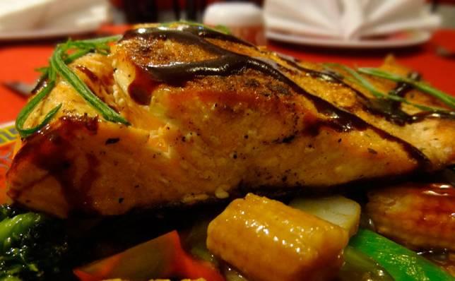 Salmón con verduras a la parrilla 1