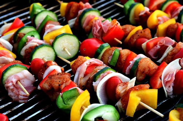Brochetas mixtas de verduras y carne 1