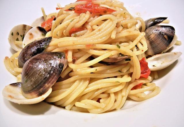 Espagueti con almejas y vino blanco 1