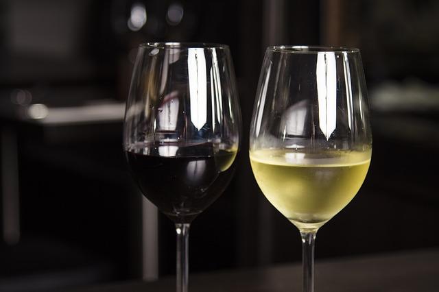 Conocer la edad de un vino por su color 1