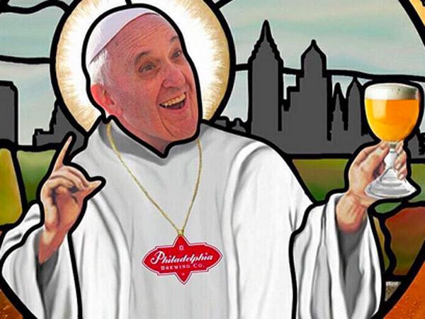 Philadelphia Brewing Co, saca al mercado la cerveza 'Holy Wooder', celebrando la visita del Papa Francisco a Philadelphia 1