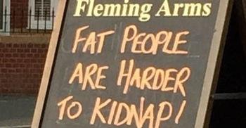 Un pub británico emplea la obesidad (con humor) como reclamo de clientes 2
