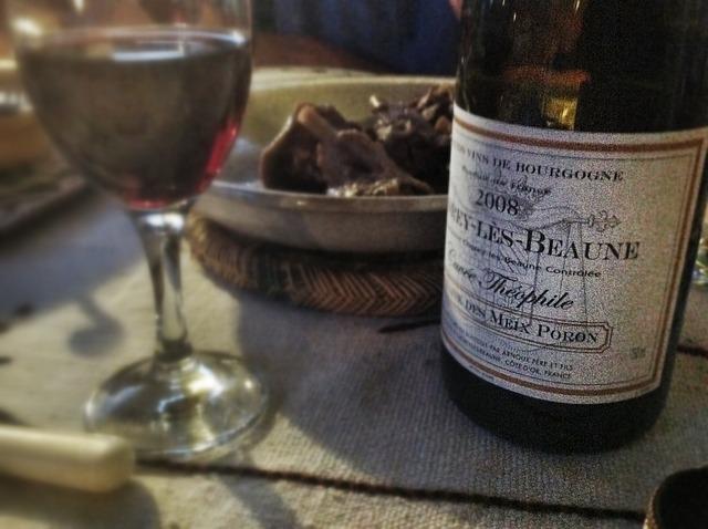 Una botella de vino de 2 euros en origen se vende en las estanterías de los USA a 10 USD 1
