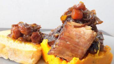 Costillas de ternera asadas con puré de batatas asadas 3