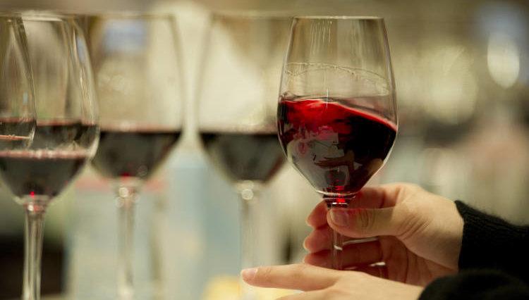 Se trabaja en un vino que no produce resaca 2