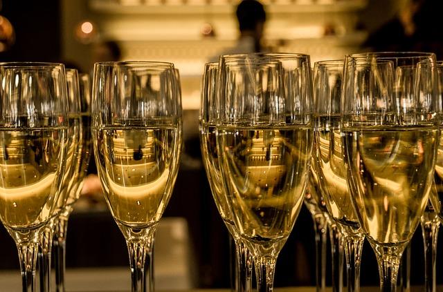 La acústica y la distribución del tamaño de las burbujas del Champagne pueden proporcionar detalles sobre la calidad del vino