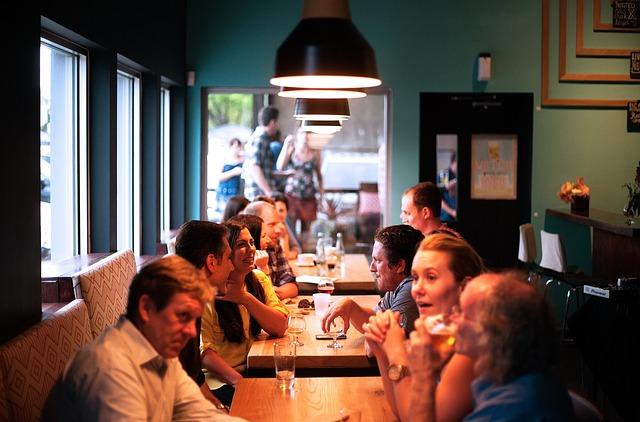 ¿De qué hablamos los españoles cuando nos sentamos a la mesa? 1