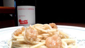 Espagueti con gambas y ajo con Chardonnay 1