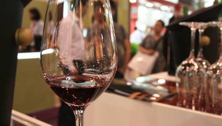 Investigadores británicos afirman que el vino tinto es mejor para el cáncer que las pastillas 1