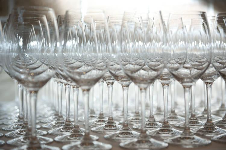 La aerolínea Emirates invierte 500 millones de dólares en vinos y 1 millón de botellas se servirán en sus vuelos en breve 1