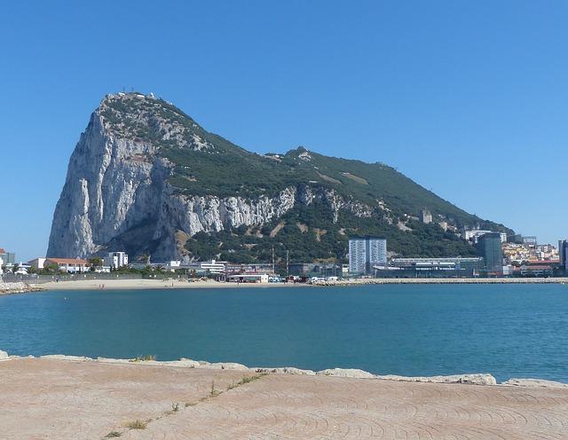 La que podría ser la bodega subterránea más grande del mundo se empieza a construir en el 'Peñón de Gibraltar' 1