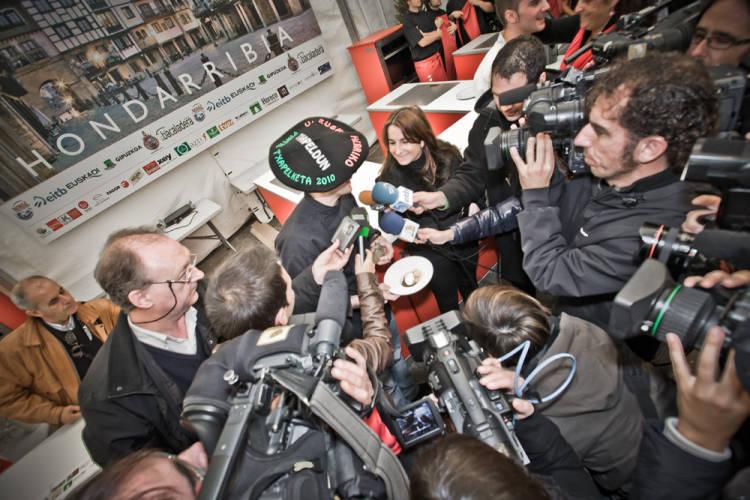 Los ochenta mejores chefs de pintxos de Euskadi, Navarra e Iparralde pelean por conseguir el mejor pintxo 1