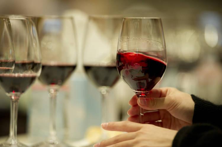 Una copa de vino tinto al día mejora la salud cardíaca de los enfermos de diabetes tipo 2 1