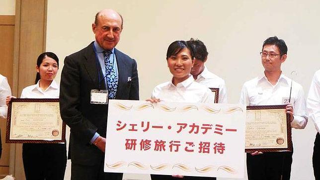 Una mujer fue la ganadora del título de Venenciador Oficial del Vino de Jerez en Japón 1