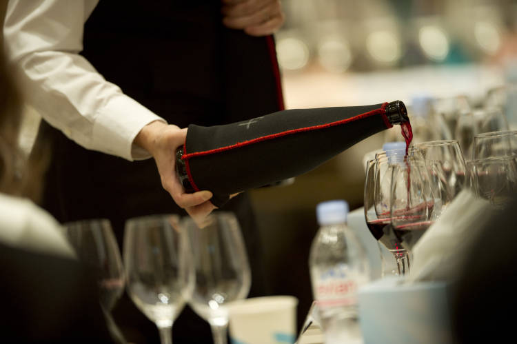 10 consejos para elegir vino en el restaurante según la OCU 1