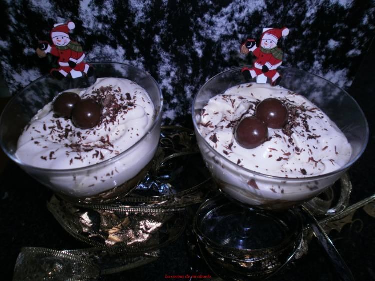 Copa de plátano y Baileys para un postre navideño 1