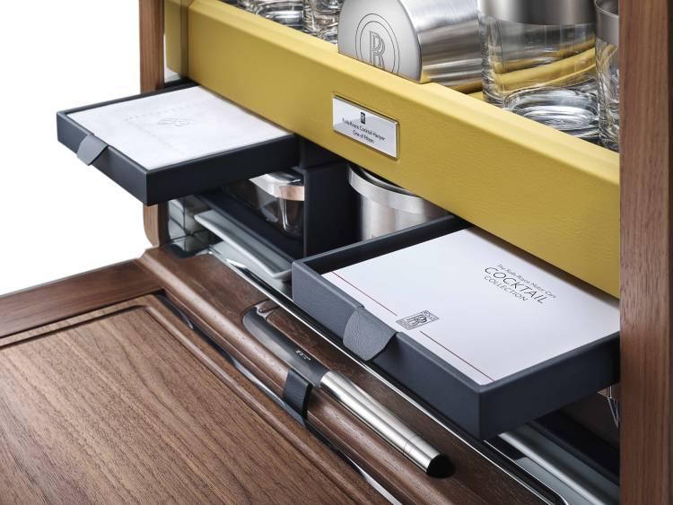 Rolls Royce presenta un mueble-bar a medida para los maleteros de sus coches 1