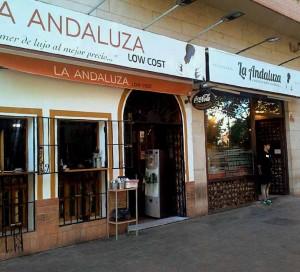 Locales-la-andaluza-y-low-cost-prensa-web-300x272