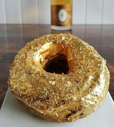 Un restaurante filipino de Nueva York elabora el donut más caro del mundo: 1.200 € la unidad 1