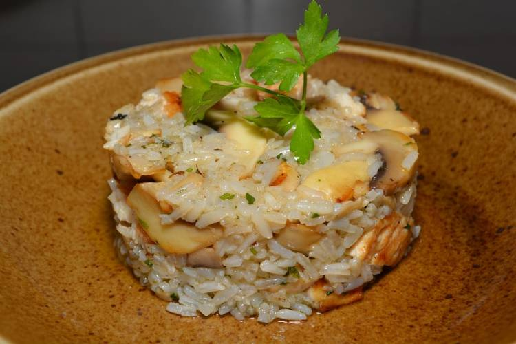 Arroz con pechuga de pollo y champiñones 1