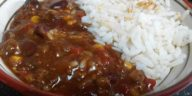 Chili con carne y arroz blanco 2