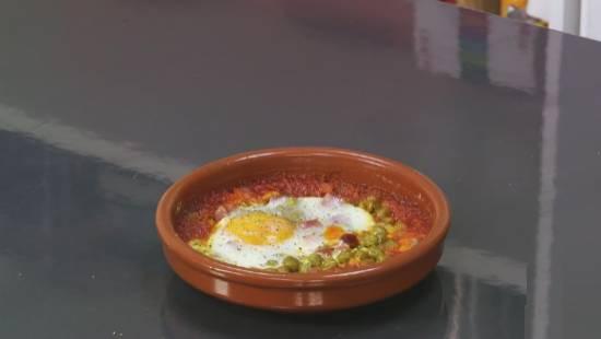 Huevos al plato en el microondas 1