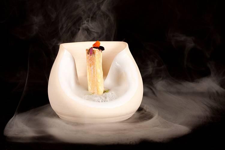 La cocina en miniatura de Danako Jatetxea para celebrar su noveno aniversario y el primer Sol Repsol 1