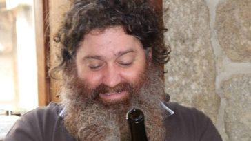 Raúl Pérez y sus vinos escogidos como la mejor bodega del 2015 en los III Premios Castilla y León de Gastronomía 2