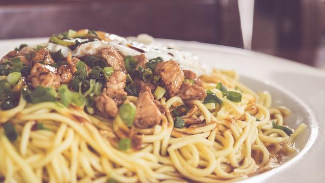 Espagueti con lomo en salsa agridulce 1