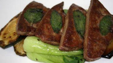 Filetes de hígado con verduras a la plancha 1