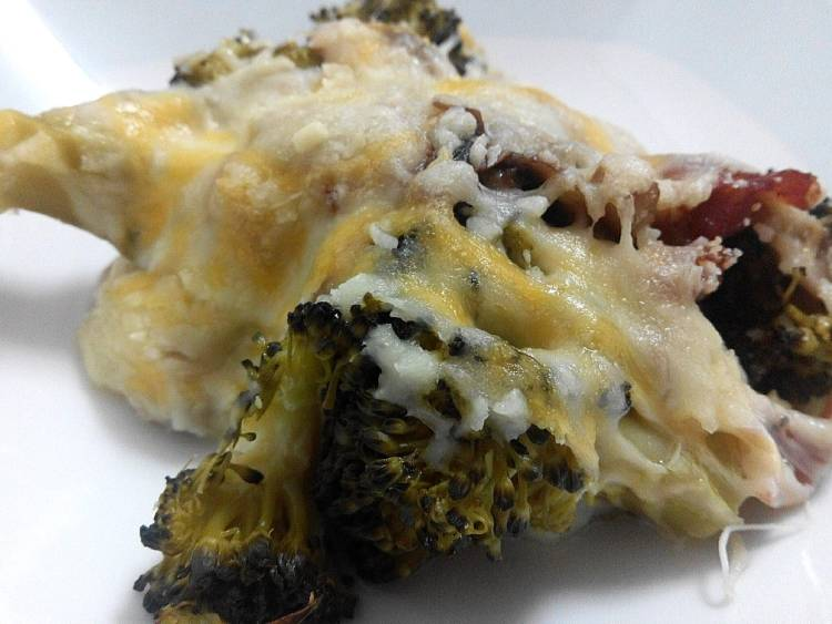 Gratinado de brócoli con tiras de ibérico y champiñones en una bechamel ligera 6