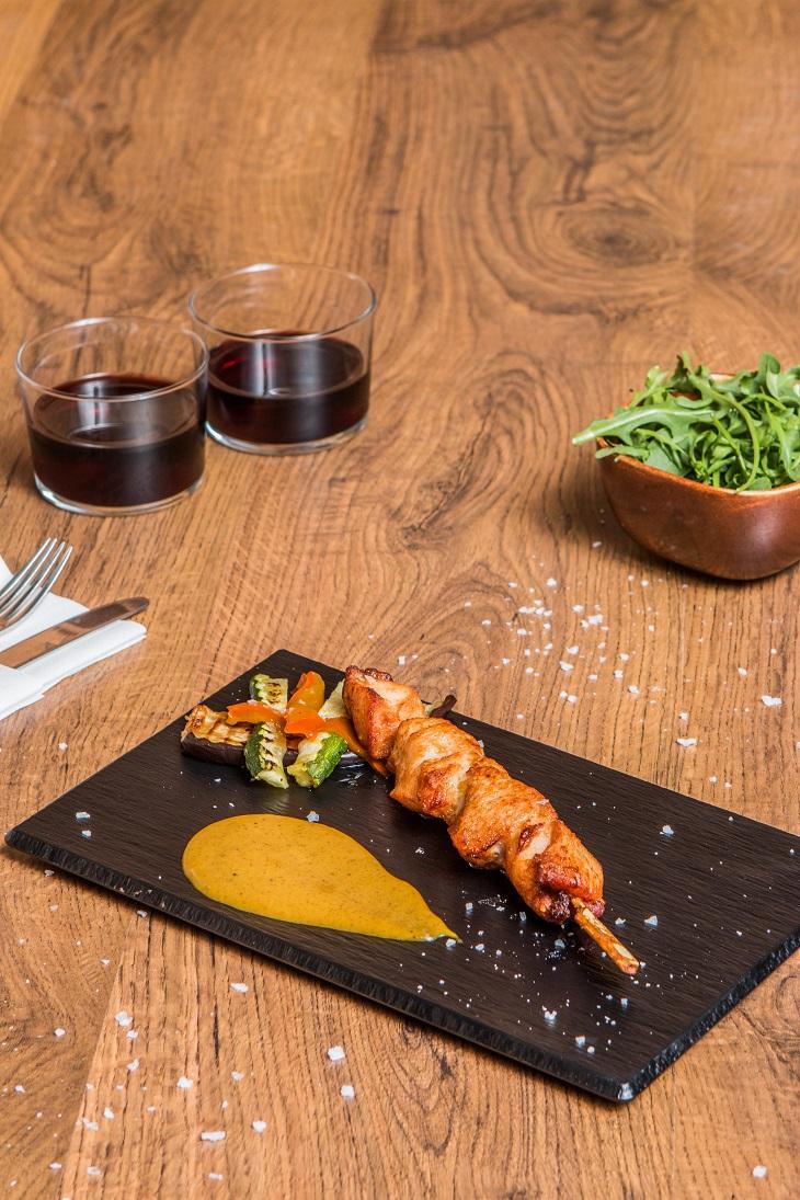 MasQMenos da aires 'foodies' para la nueva carta de platos esta primavera 2