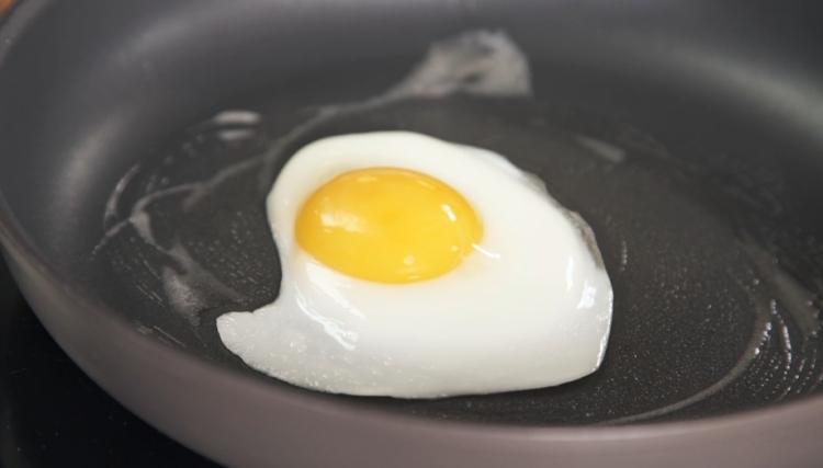 Cómo hacer un huevo igual que el de los emoticonos 1