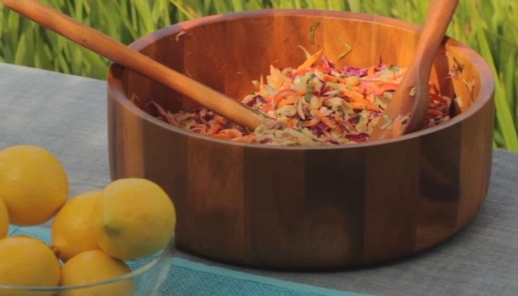 Cómo hacer una ensalada asiática en casa