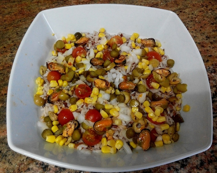 Ensalada de arroz tres colores