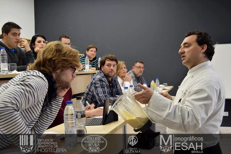 'Cocina Fit y hábitos saludables' con Javier García Pereda y Fran Jiménez en la Escuela de Hostelería de Sevilla 1