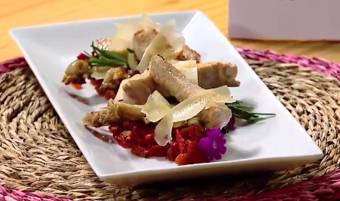 Lomo a la plancha con oreja pimientos y tomate 1