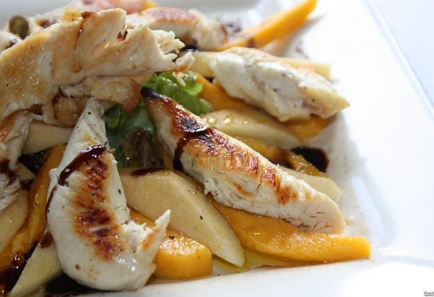 Ensalada de pollo, manzana y mango 2